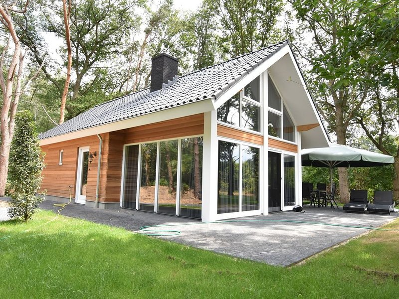 Exquisite Holiday Home in Reutum with Sauna, holiday rental in Mekkelhorst