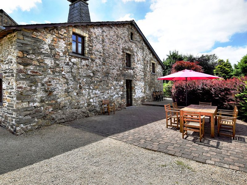 Charming link-detached gîte on a converted farm with spacious private terrace, holiday rental in Malempre