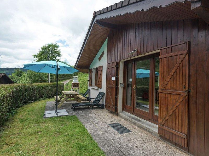 Cozy Chalet in La Bresse with Terrace, vacation rental in La Bresse