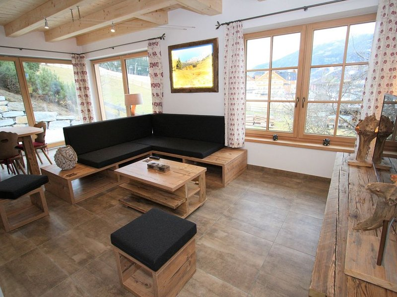 Chalet in Sankt with artistic interiors & Ski Piste View, vacation rental in St. Margarethen