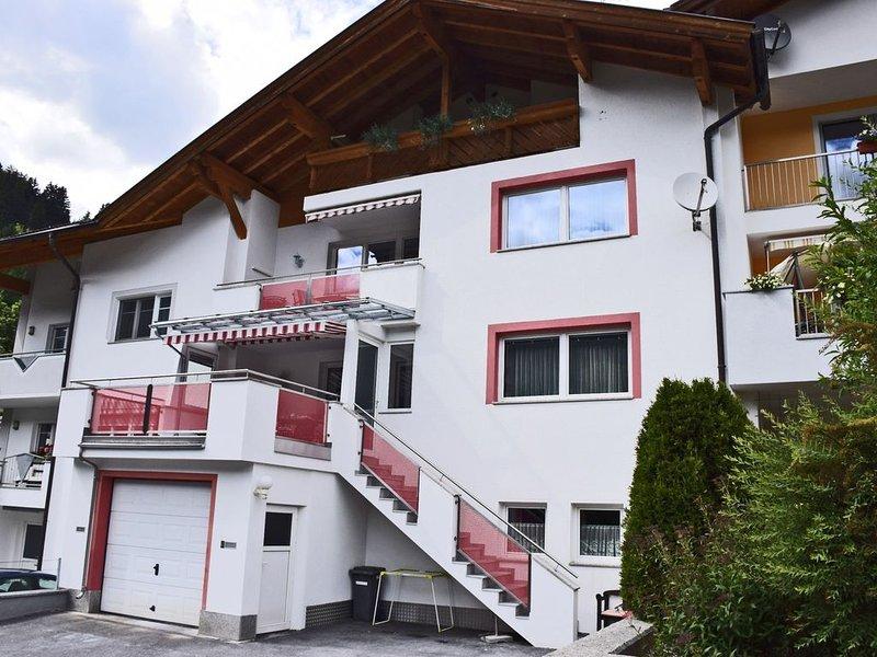 Mountain View Apartment in Strengen near Forest, aluguéis de temporada em Grins