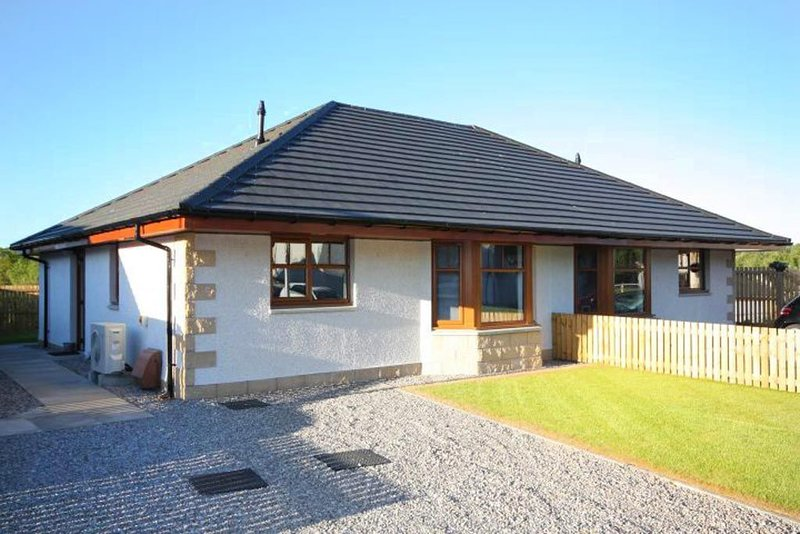 Modern, newly built holiday home on the Black Isle, vakantiewoning in Dingwall
