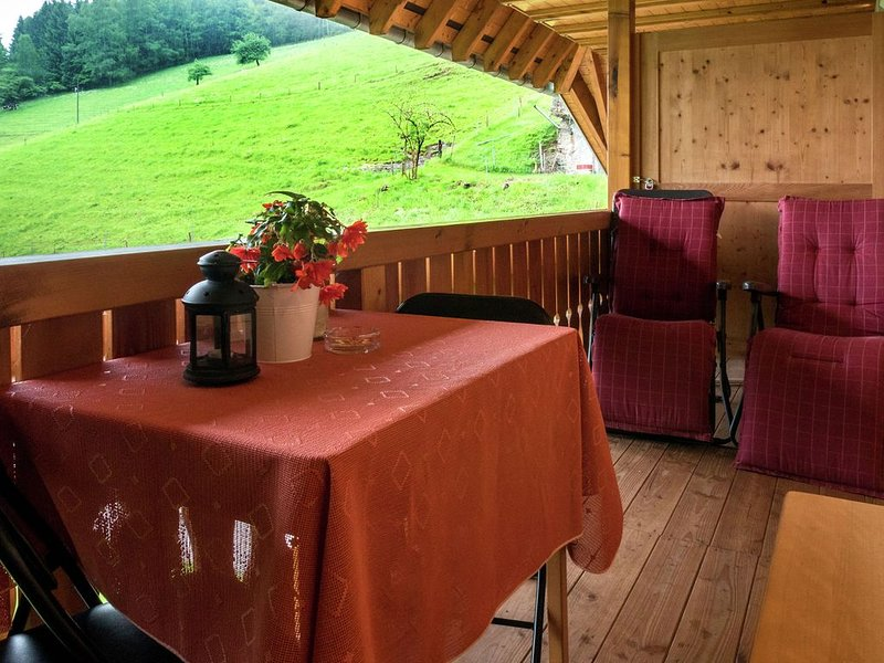 Cosy farmhouse apartment at the edge of the forest, vacation rental in Hofstetten