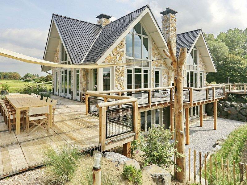 Luxurious Holiday Home with Jacuzzi in Noordwijk, casa vacanza a Noordwijk