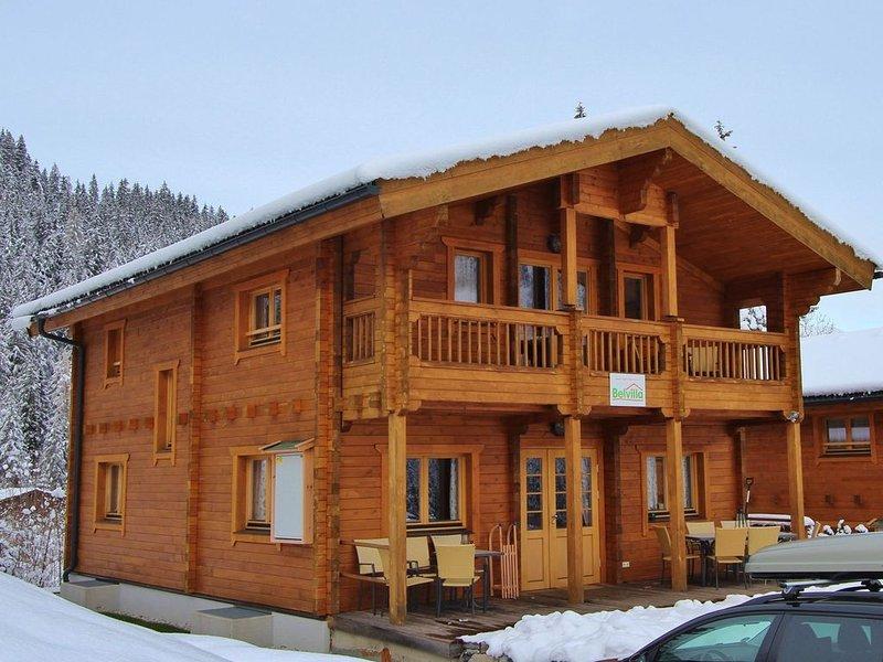 Comfortable Chalet with Whirlpool and Sauna in Krimml, location de vacances à Krimml