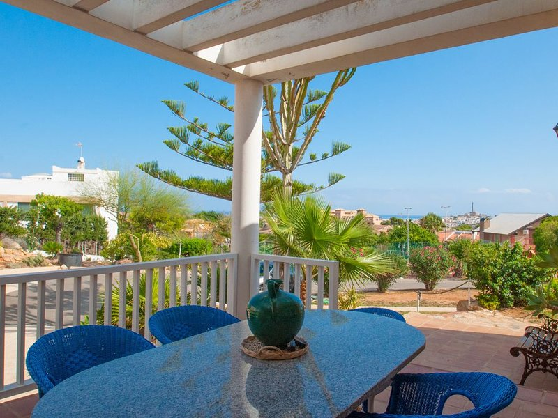 Stunning independent villa with private pool and tennis court – semesterbostad i Cabo de Palos