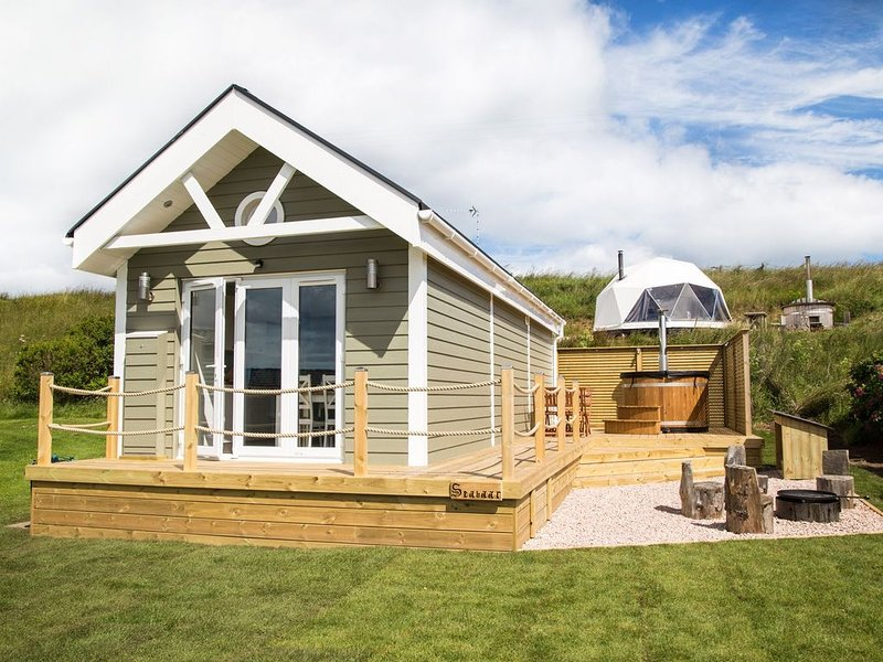 A deluxe beach hut that sleeps 4 guests  in 0 bedrooms, holiday rental in Anstruther
