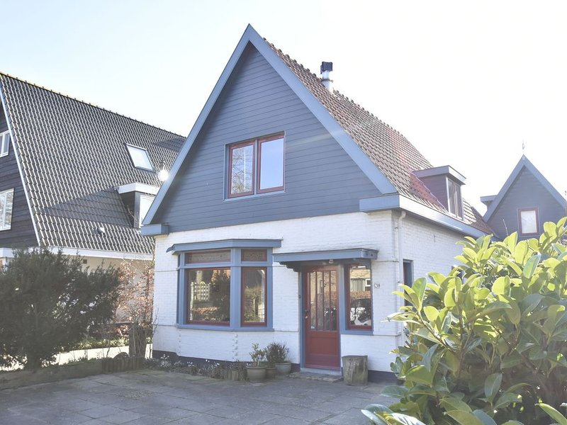 Comfortable Holiday Home in Bergen near Forest, holiday rental in Bergen