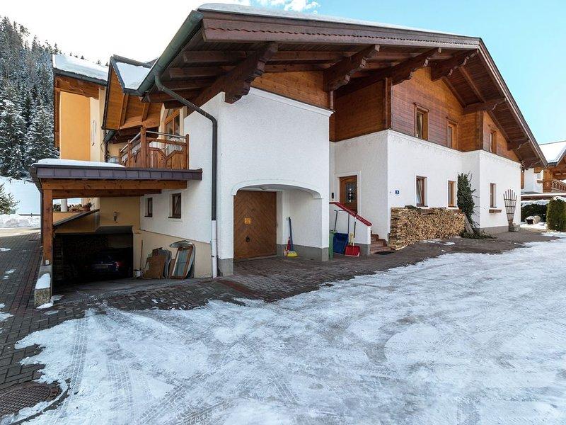 Modern Apartment in Altenmarkt im Pongau near Ski Area, holiday rental in Filzmoos