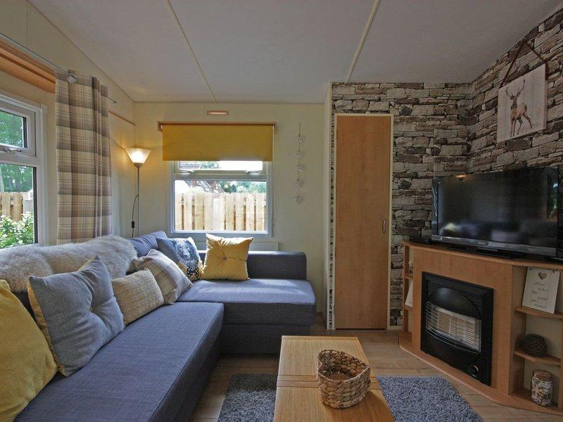 Luxury caravan in peaceful country location, holiday rental in Tore