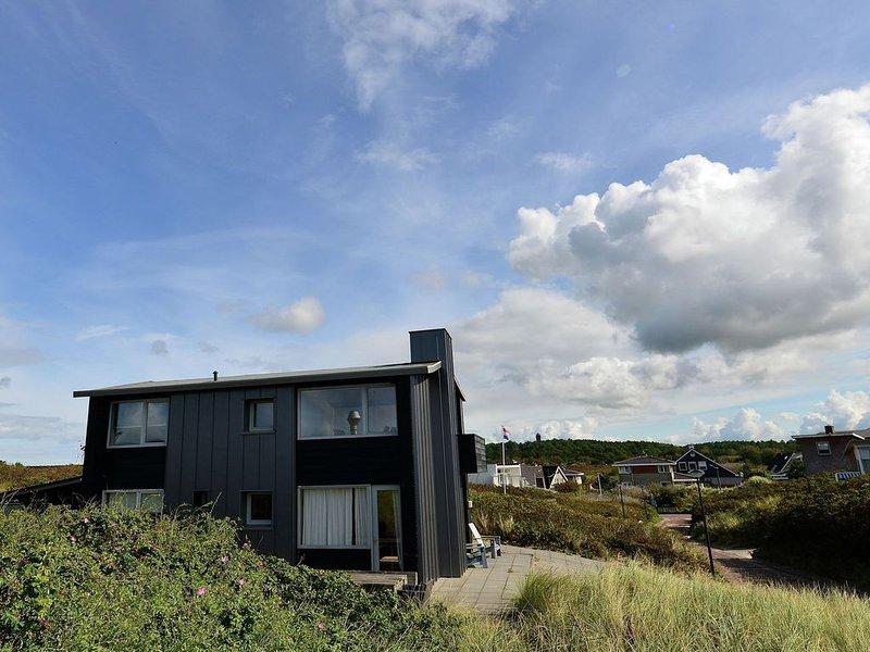Spacious Apartment in Bergen aan Zee with Terrace, holiday rental in Bergen aan Zee