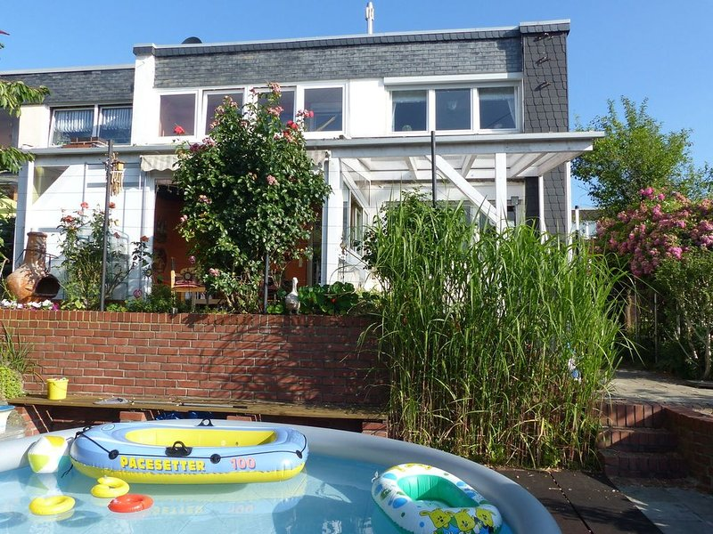 Cozy Apartment with Private Swimming Pool in Wuppertal, alquiler vacacional en Wuppertal