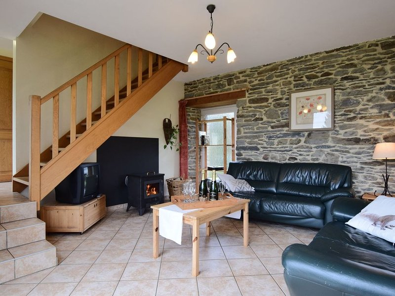 Comfortable Cottage in Neufmoulin with Meadow View, holiday rental in Lullange