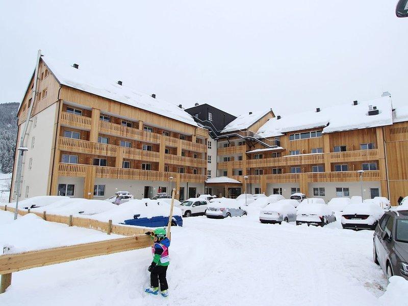 Attractive Apartment in Gosau with shared Sauna, Ferienwohnung in Oberösterreich