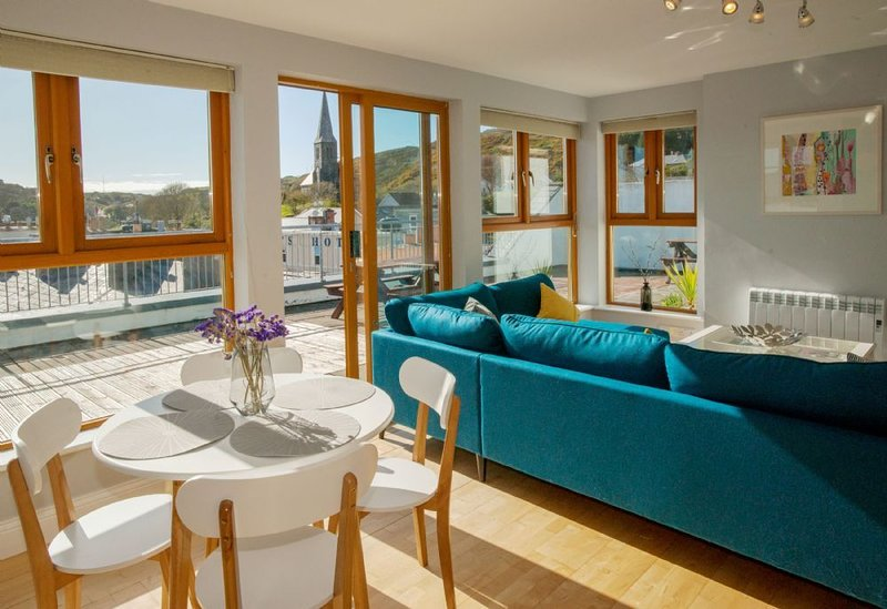 Apartment 290 - Clifden - sleeps 4 guests  in 2 bedrooms, vacation rental in Clifden