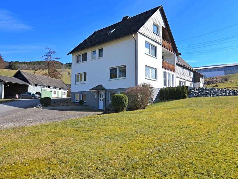 Modern Apartment in Sellinghausen with Terrace, alquiler vacacional en Kirchrarbach
