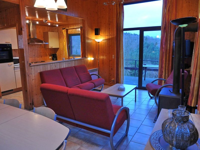 Modern Holiday Home in Houffalize with Garden, holiday rental in Recogne (Bastogne)
