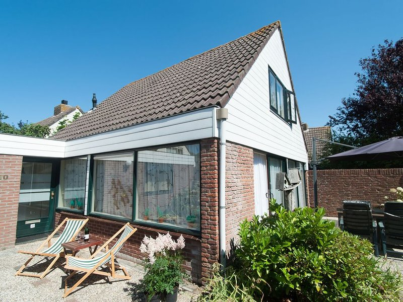 Holiday home with a strong hint of quirky nostalgia – semesterbostad i Noordwijkerhout