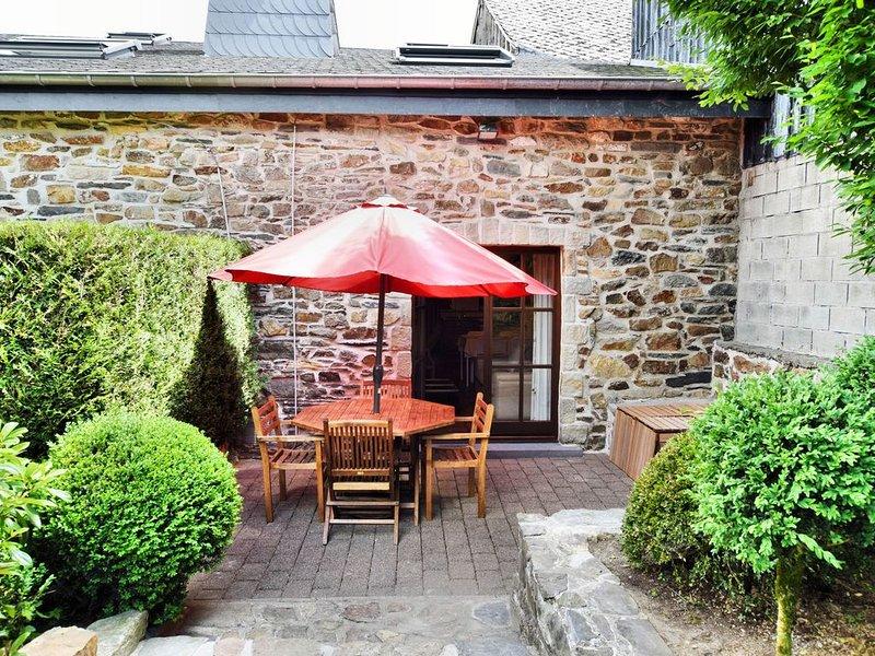 Historic Cottage in Vielsalm with Private Terrace, location de vacances à Lierneux
