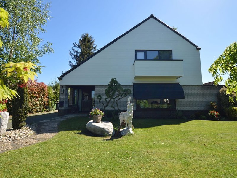 Comfortable villa with sauna in the most beautiful area of Overijssel, holiday rental in Ommen