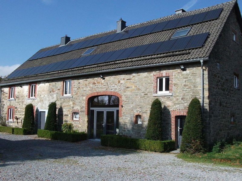 Cosy Holiday Home in Sourbrodt with Sauna, holiday rental in Sourbrodt