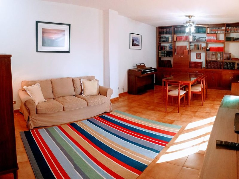Charming 3 bedroom flat in the city centre, aluguéis de temporada em Santa Cruz de Tenerife