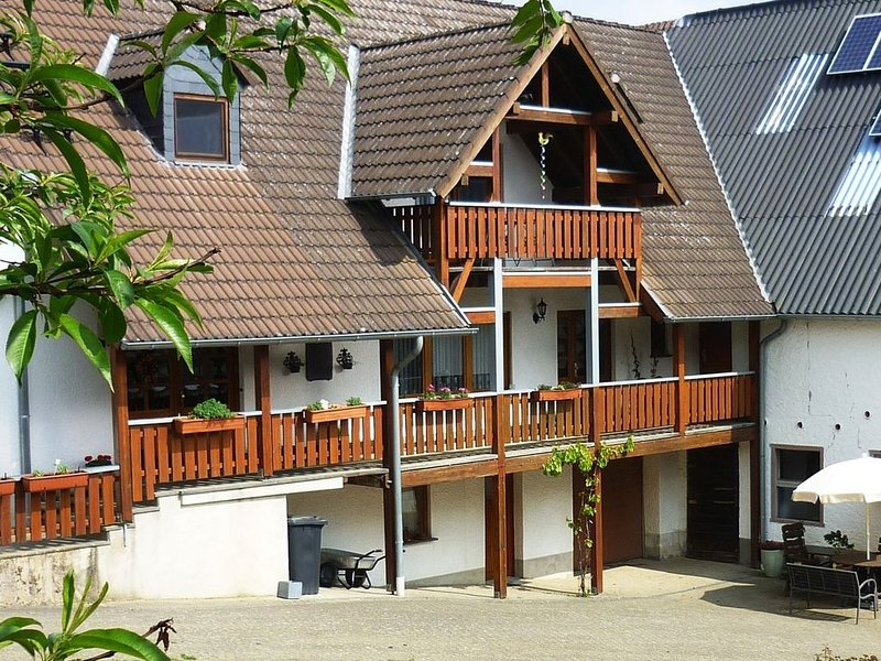 Lovely Holiday Home in Kerpen naer Volacanic Eifel, vakantiewoning in Juenkerath