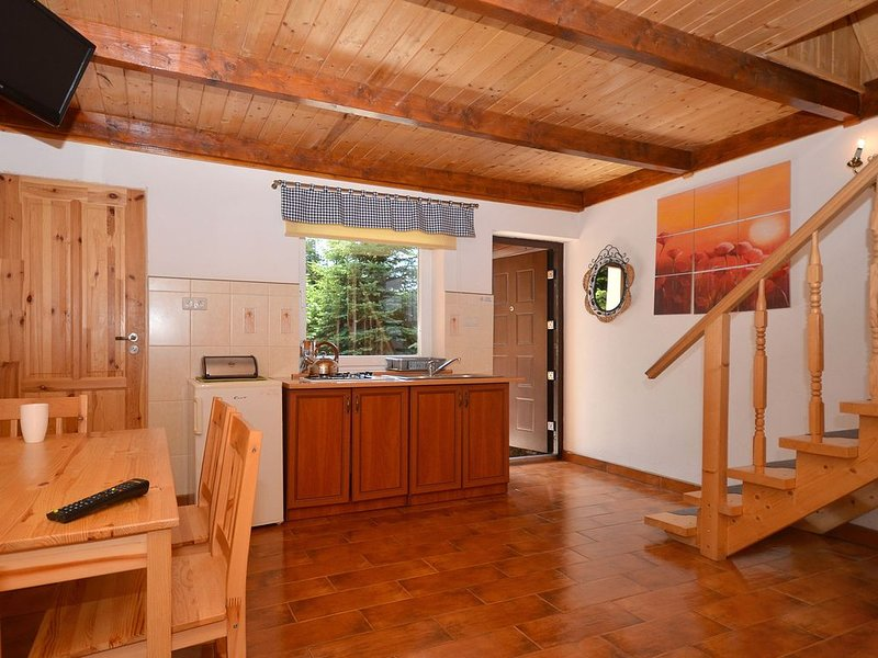 Peaceful Holiday Home in Domaslawice with Swimming Pool, holiday rental in Dabki