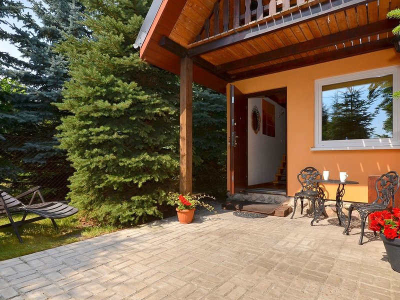 Quaint Holiday Home in West Pomeranian with Swimming Pool, holiday rental in Western Poland