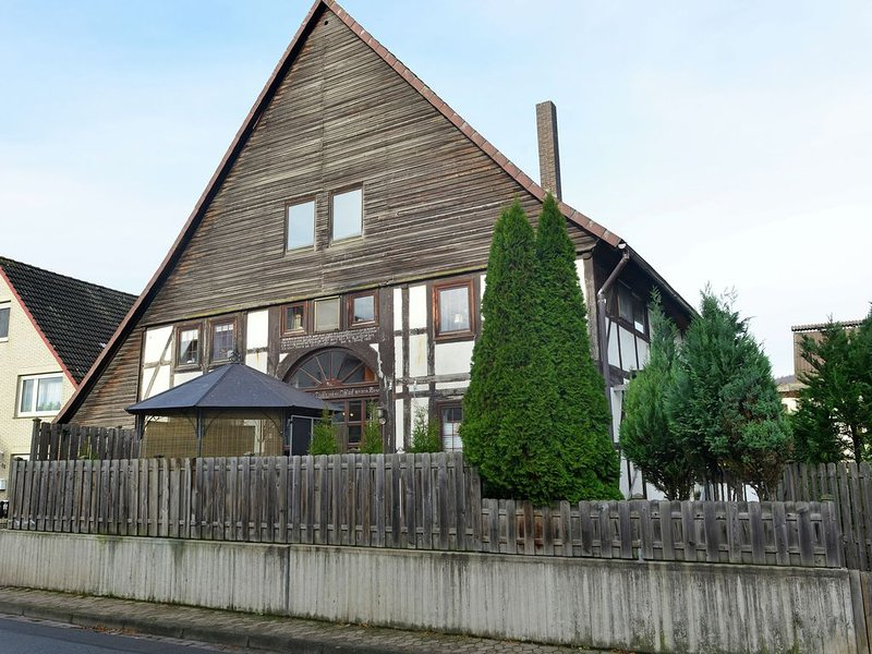 Cozy Apartment in Löwensen Lower Saxony with Private Terrace, holiday rental in Bodenwerder