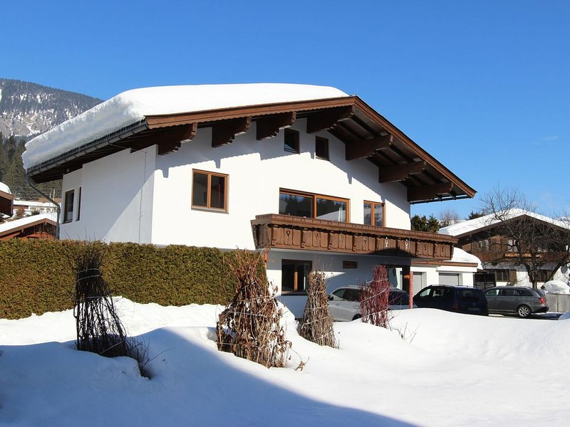 Spacious Holiday Home in Fieberbrunn with Sauna – semesterbostad i St. Ulrich am Pillersee