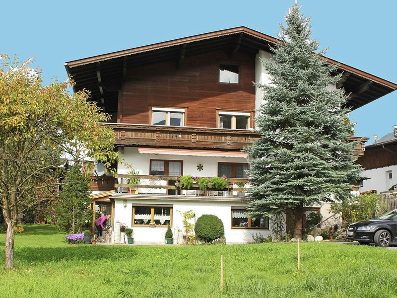 Spacious Apartment in Stumm Tyrol with Balcony, holiday rental in Stumm