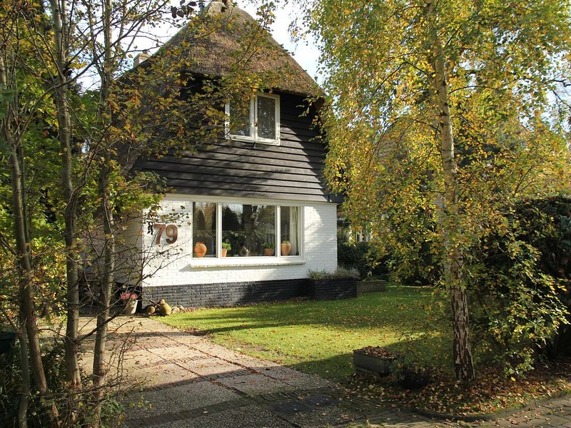Atmospheric, well-kept country house located near Bergen aan Zee, holiday rental in Bergen