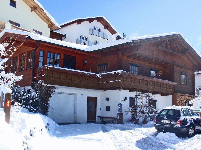 Sunny Mountain View Apartment in Kaunerberg, holiday rental in Kaunerberg