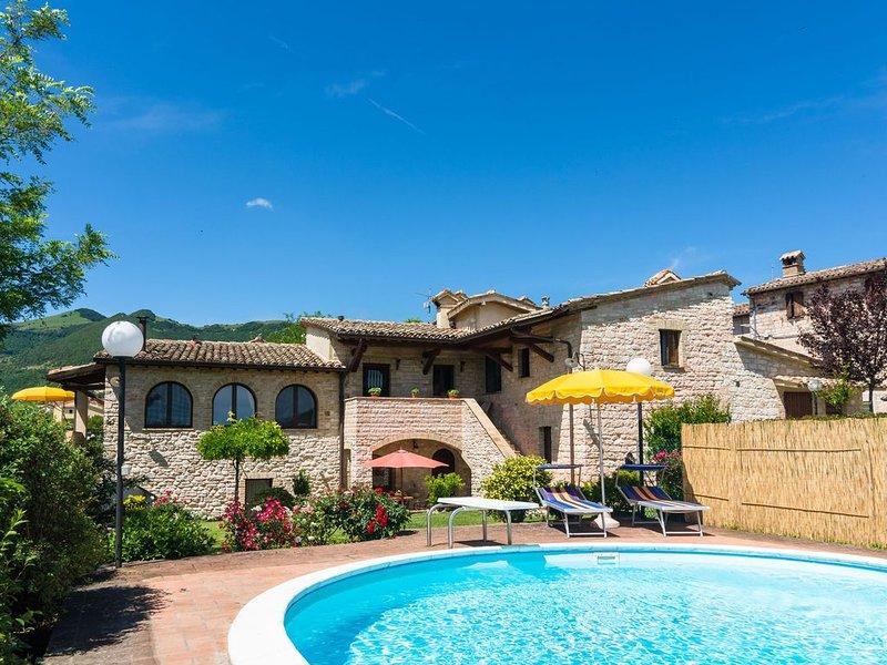 Spacious Holiday Home in Cagli with Garden, location de vacances à Cagli