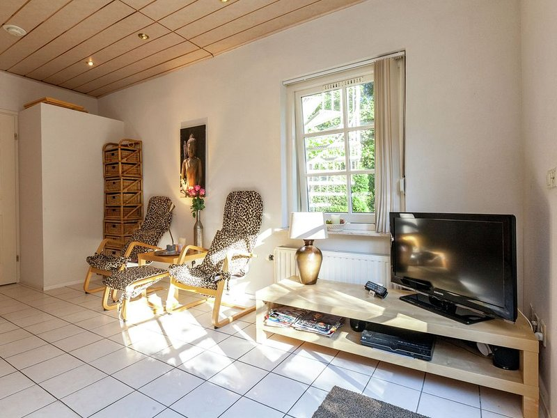 Comfortable apartment in a quiet area, nearby woods and beach, holiday rental in Aagtekerke