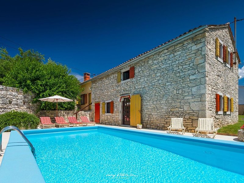 Gracious stone villa within a picturesque village, holiday rental in Bibici
