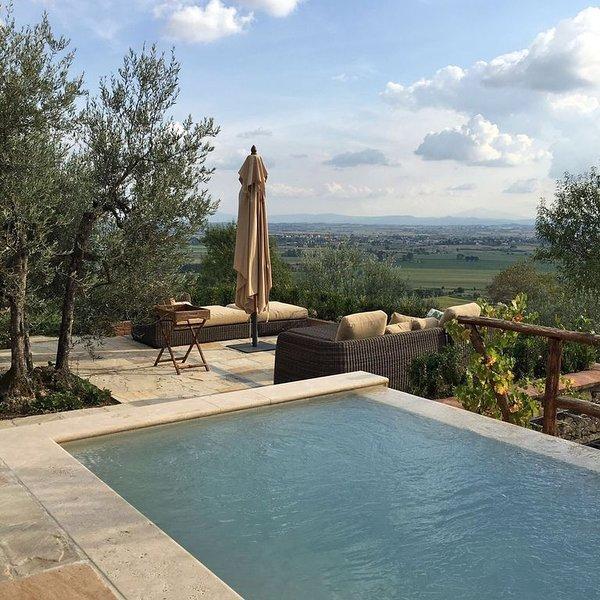 A villa that sleeps 6 guests  in 2 bedrooms, holiday rental in La Strada-Santa Cristina