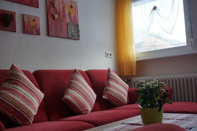 Ferienwohnung mit 80qm, 3 Schlafzimmer für maximal 6 Personen, aluguéis de temporada em Oberharmersbach