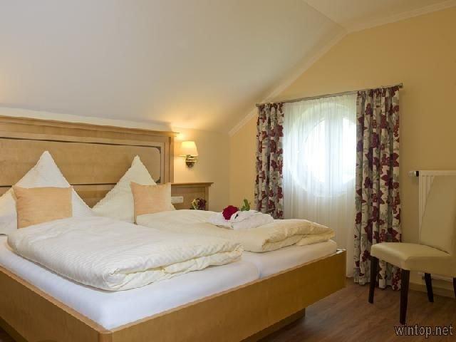 Modernes App. (44m2), Wohn-/Schlafbereich getrennt, holiday rental in Bad Fussing