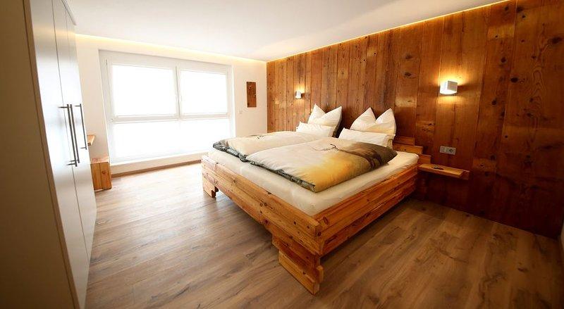 Ferienwohnung Holzwieb, 92 qm mit 2 Schlafzimmer für max. 4 Personen, aluguéis de temporada em St. Georgen im Schwarzwald