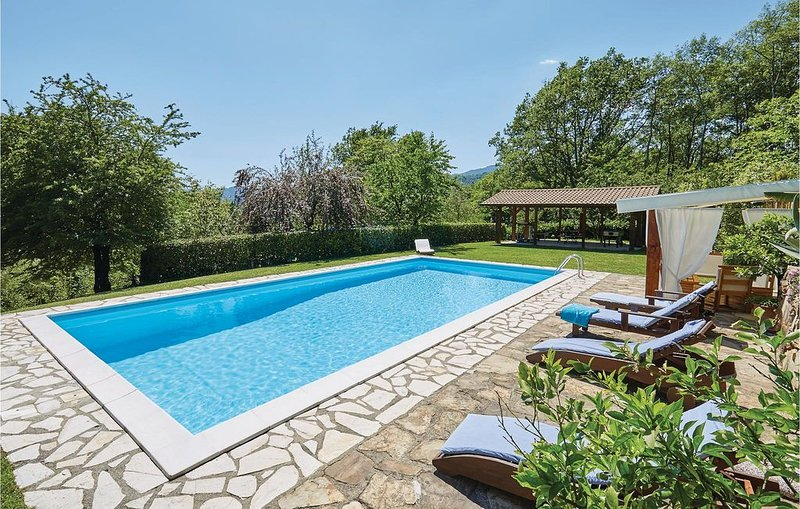 3 Zimmer Unterkunft in Villafranca (MS), vacation rental in Barbarasco