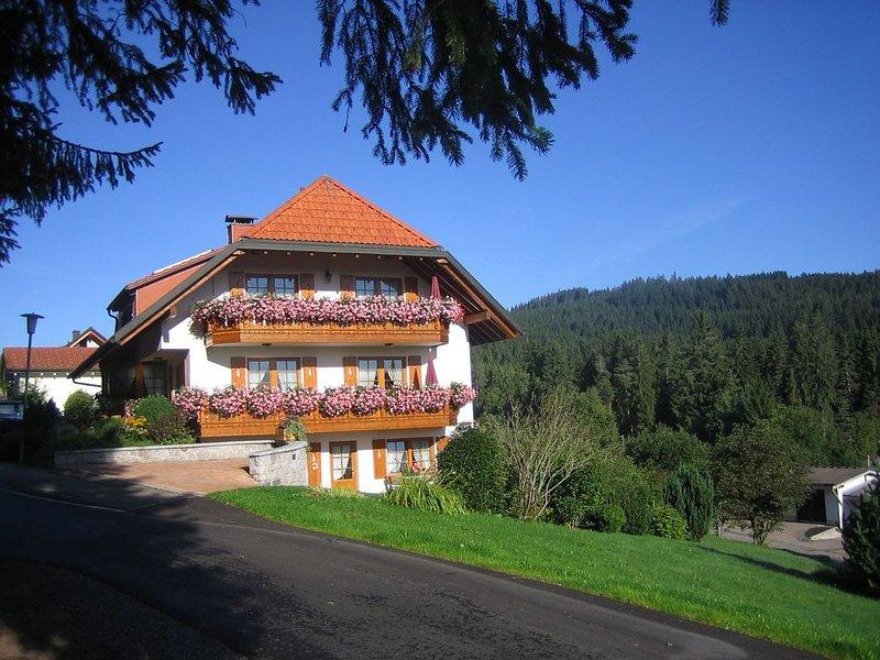 Ferienwohnung 2, 36qm, 1 Wohn-/Schlafraum, max. 2 Personen, location de vacances à Lenzkirch