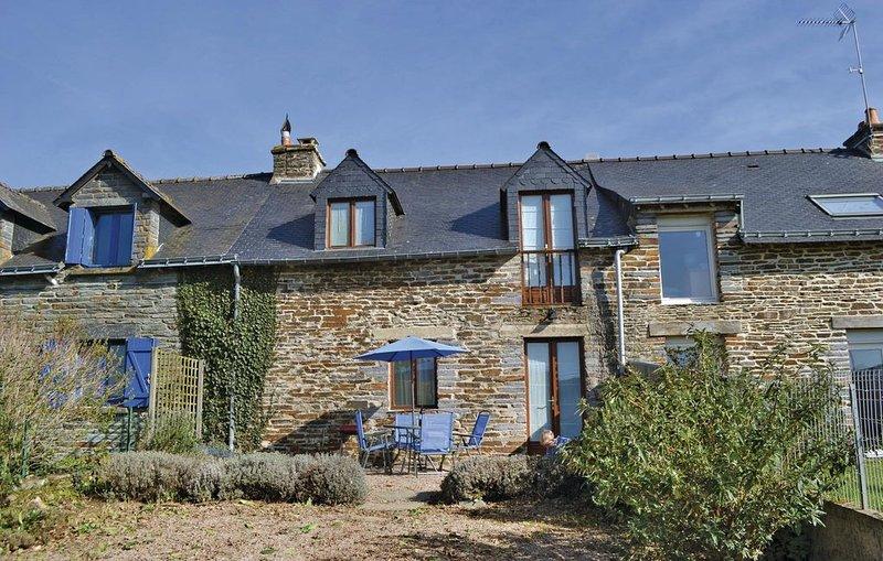 2 Zimmer Unterkunft in Ruffiac, holiday rental in Saint Jacut les Pins