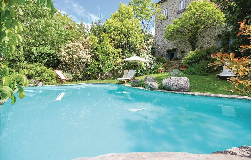 4 Zimmer Unterkunft in Castel S.Vincenzo (IS), holiday rental in Montaquila