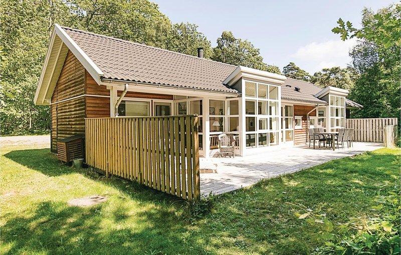 4 Zimmer Unterkunft in Hasle, vacation rental in Bornholm