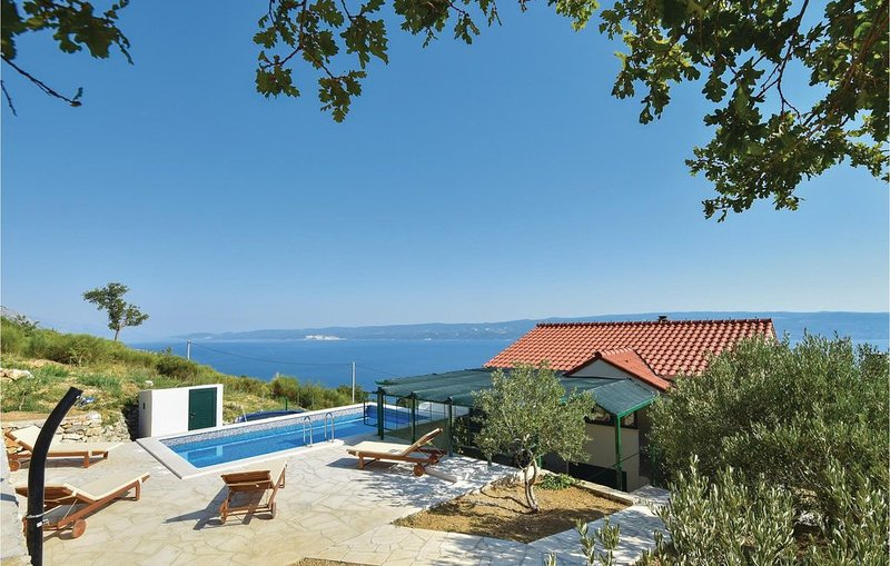 2 Zimmer Unterkunft in Omis, holiday rental in Tugare