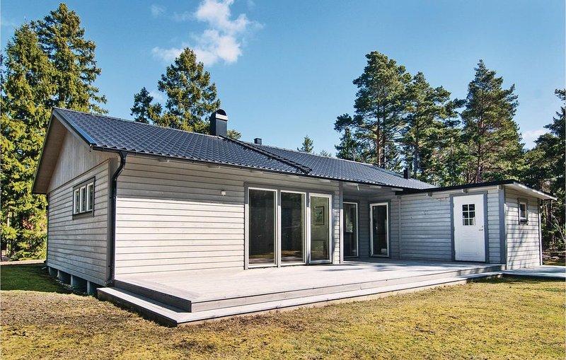 4 Zimmer Unterkunft in Slite, holiday rental in Gotland
