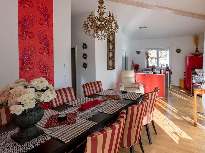 Deluxe-Loft mit 2 Schlafzimmern für 1-6 Personen, holiday rental in Bad Reichenhall