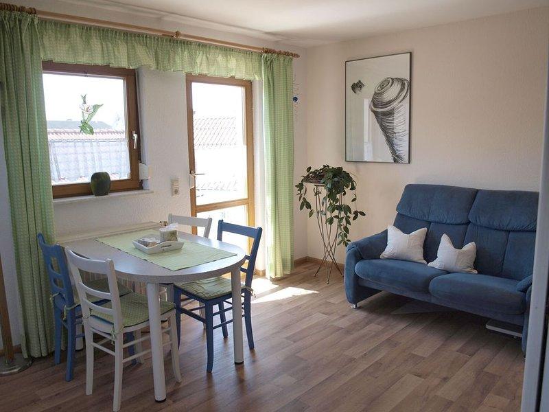 Ferienwohnung 60qm, 2 Schlafzimmer, max. 4 Personen, holiday rental in Artzenheim
